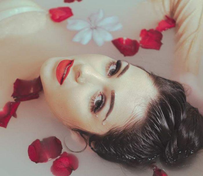 data/articles/kąpiel ziołowa, kwiaty do kąpieli, pełnia w baranie