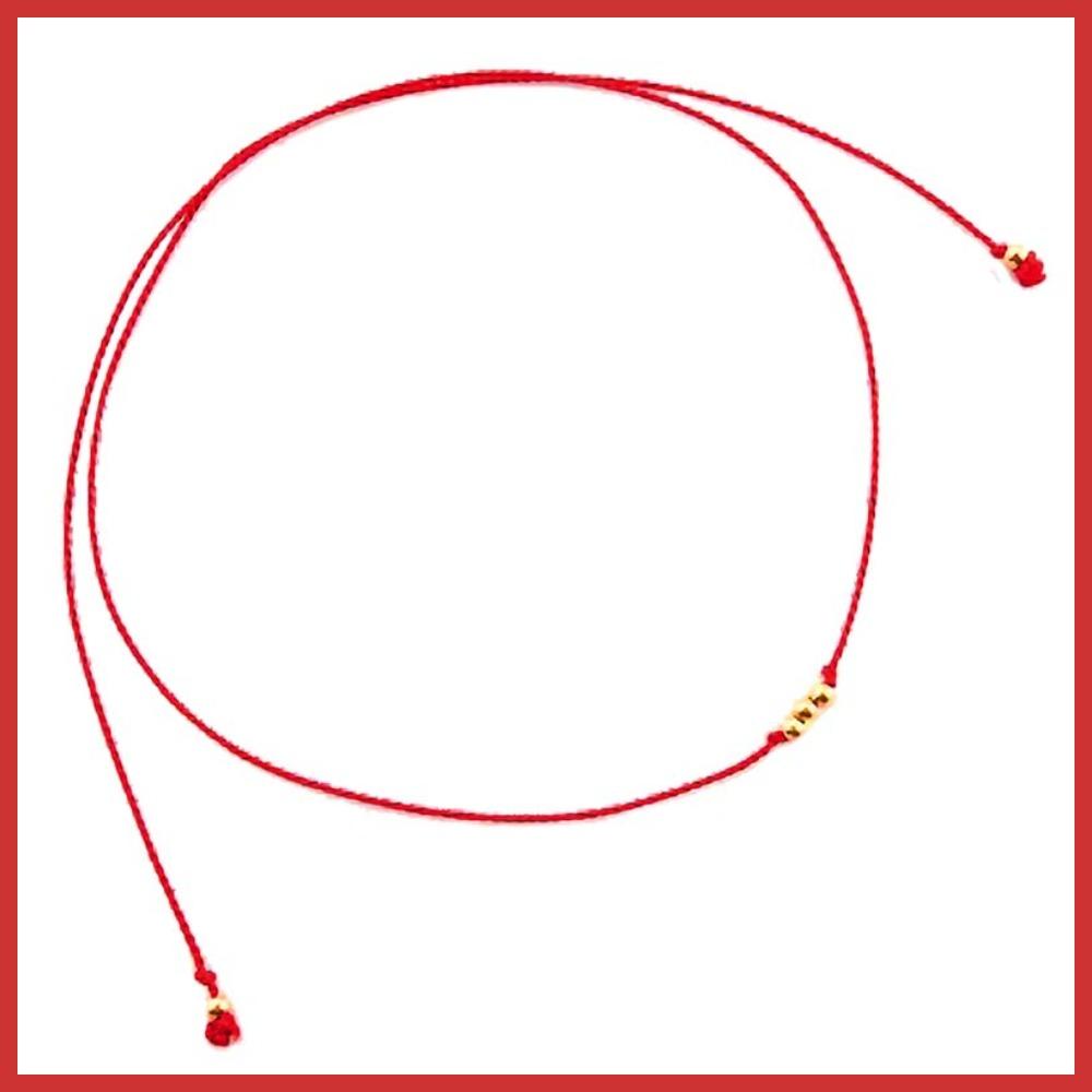 Czerwona bransoletka na szczęście