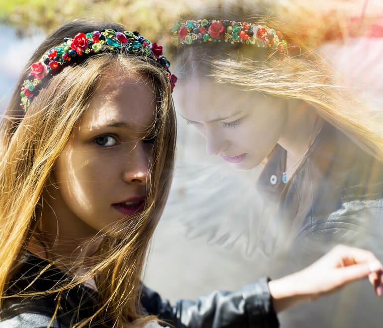 reinkarnacja, młoda kobieta