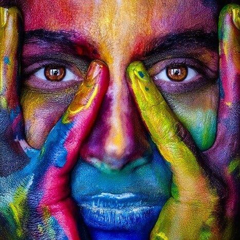 masaż twarzy pomaga na kłopoty emocjonalne