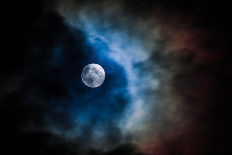 niebieski księżyc, kiedy będzie niebieski księżyc, niebieski księżyc kiedy, niebieska pełnia księżyca