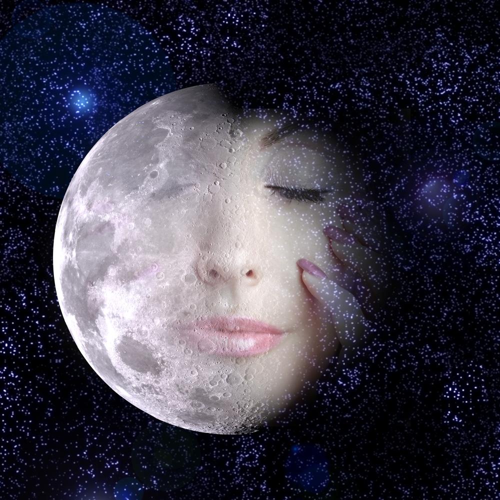 księżyc i kobieta
