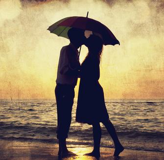 miłość, związek, para nad morzem